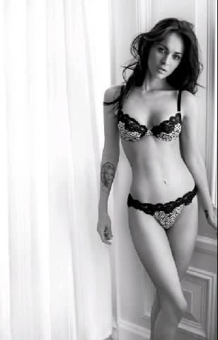 Sexy Actress Under Wear